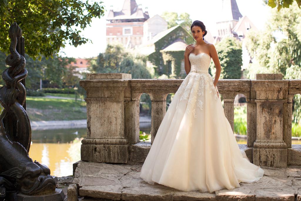 Vestidos de noiva 2018: confira as tendências em cores