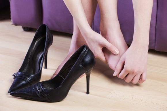 como amaciar sapatos