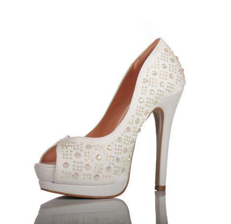sapato de noiva branco com strass